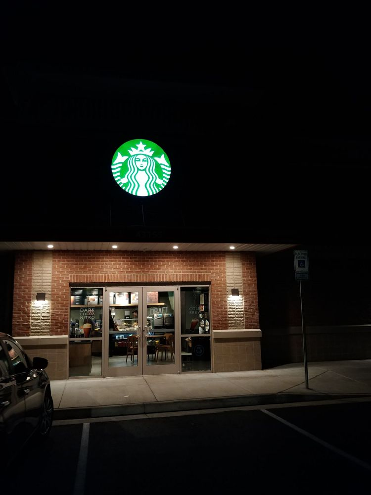 Starbucks: 43155 Broadlands Center, Ashburn, VA