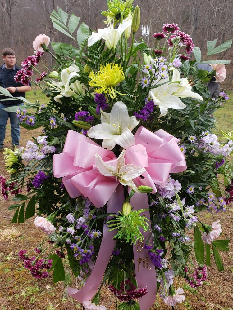 Kountry Kottage Floral & Crafts: 24606 Dickenson Hwy, Haysi, VA