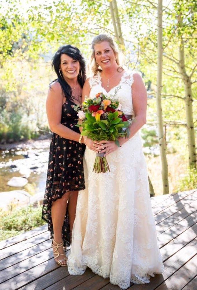 Touch of Love Florist & Weddings: 1201 S 9th St, Canon City, CO