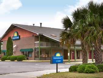 Days Inn by Wyndham Columbia NE Fort Jackson: 133 Plumbers Road, Columbia, SC
