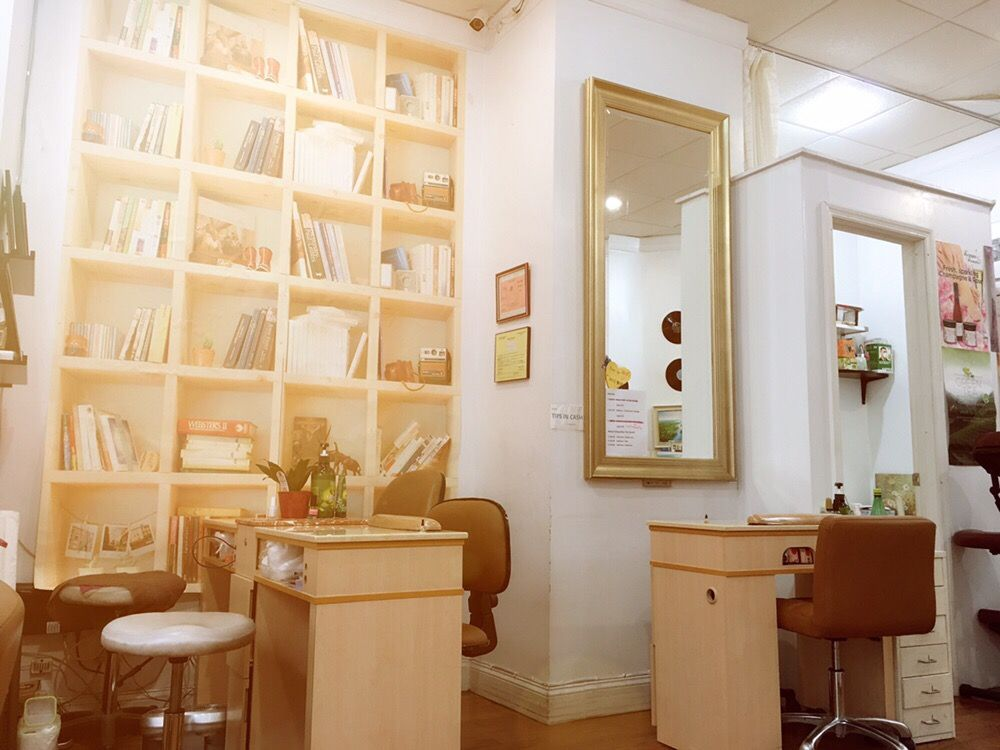 Be Yours Spa: 301 E 90th St, New York, NY