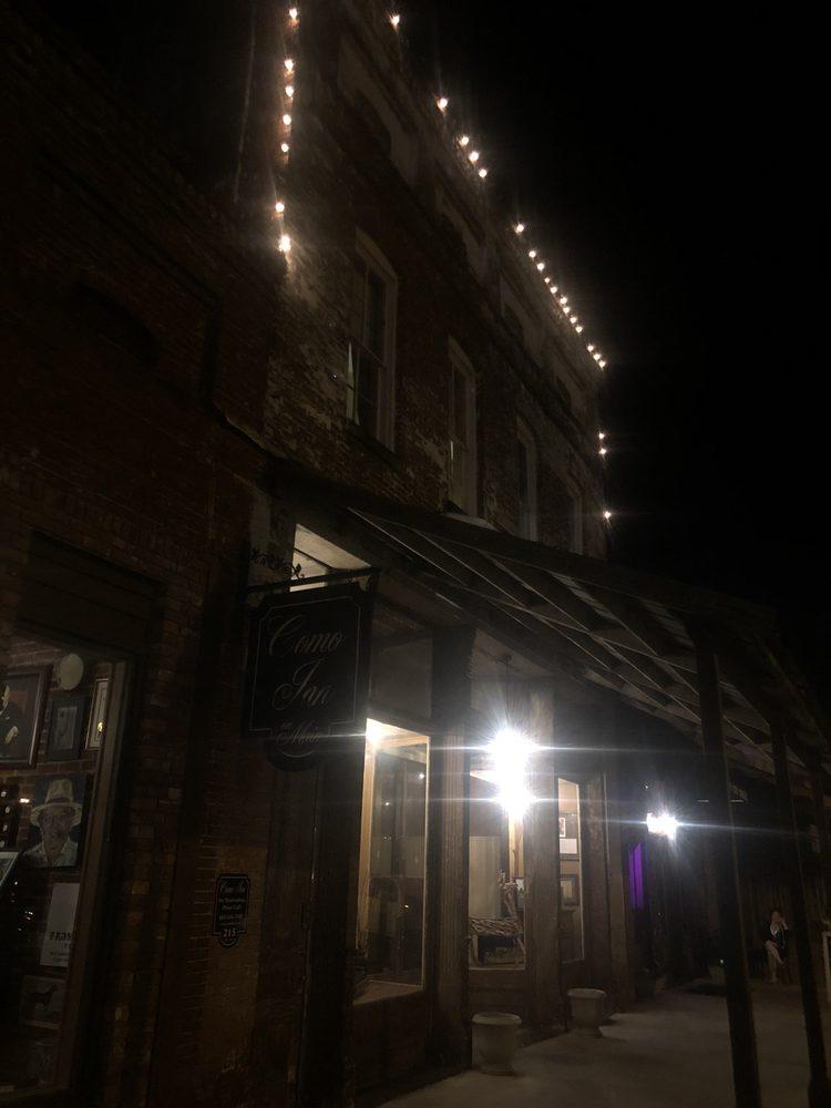 Como Inn: 215 N Main St, Como, MS