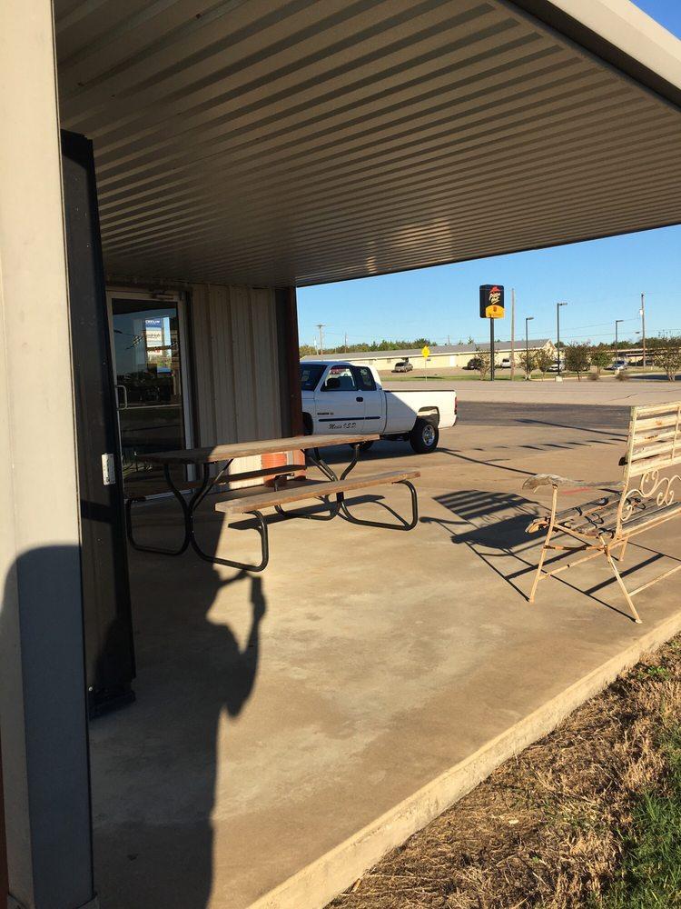 Alan's Tire & Service: 819 W Milam St, Mexia, TX