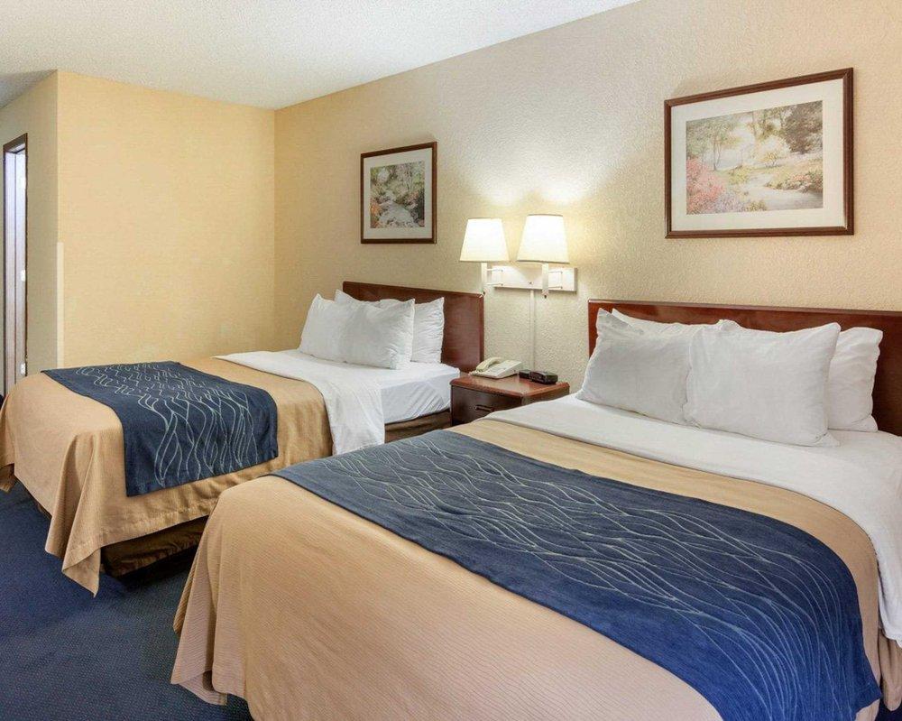 Quality Inn: 2108 S Main St US 15 & US 460 Bypass, Farmville, VA