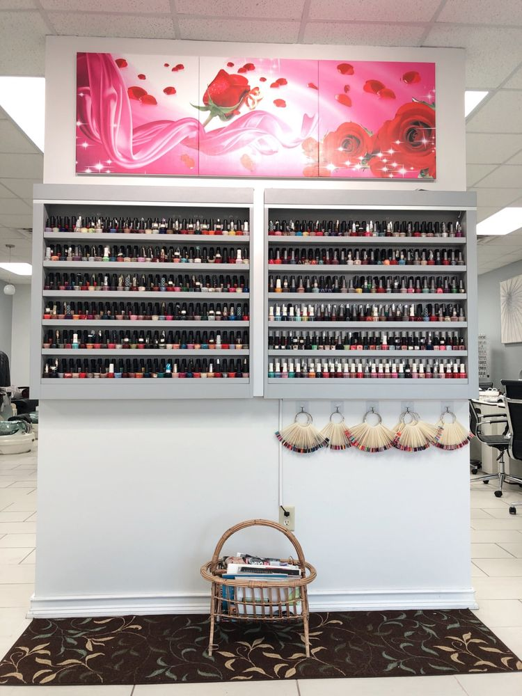 Glamour Nails: 3429 W College Ave, Appleton, WI