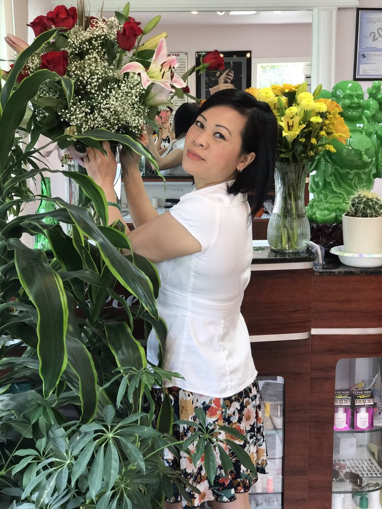Day Nails & Spa: 9444 35th Ave SW, Seattle, WA