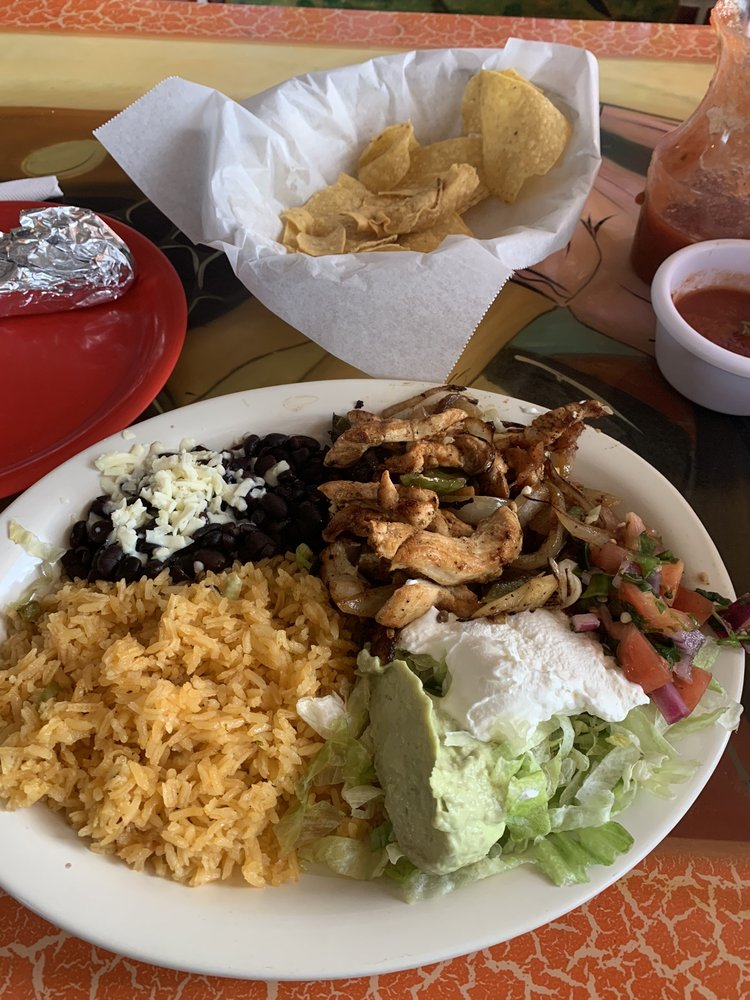 El Tapatio: 1111 1st St S, Willmar, MN