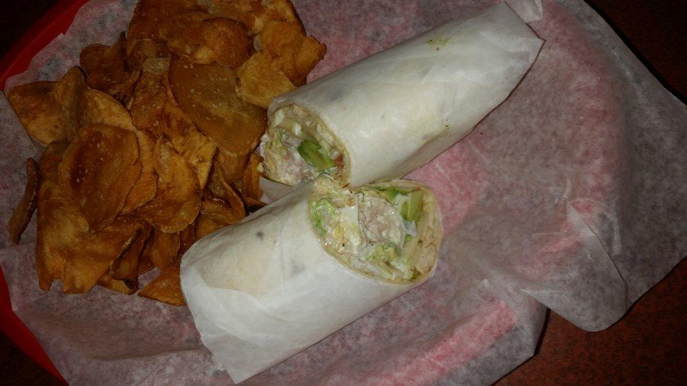 Tailgaters Sports Grill and IL Primo Pizza & Wings: 7160 E Pav Way, Prescott Valley, AZ