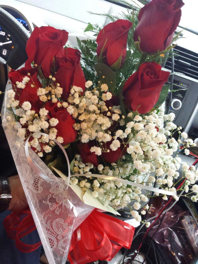 Flower Basket: 95 Florida Ave S, Parsons, TN