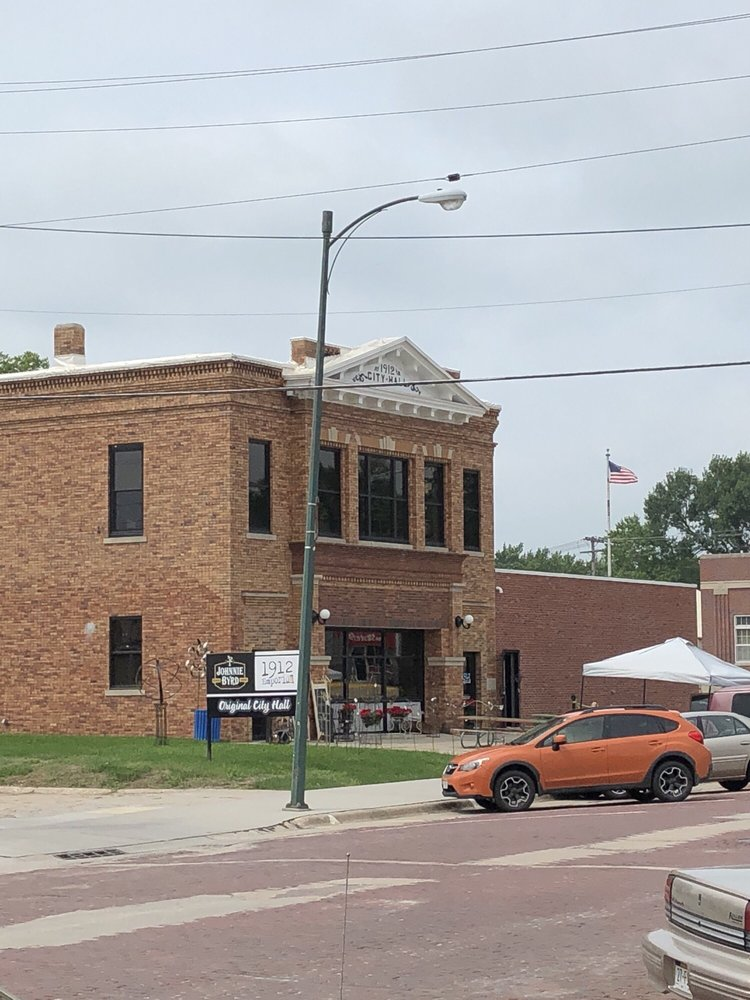 1912 Emporium: 117 W 2nd St, Wayne, NE