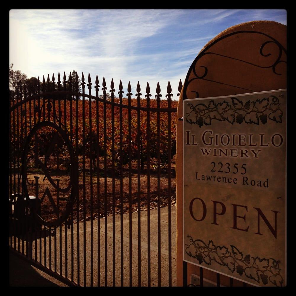 Morse Wines / Il Gioiello Winery: 22355 Lawrence Rd, Fiddletown, CA