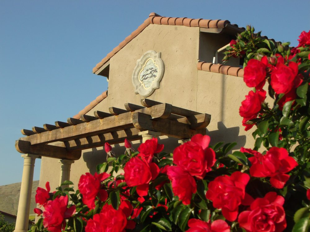 Pacific Crest Equine: 2500 E Myer Ave, Exeter, CA