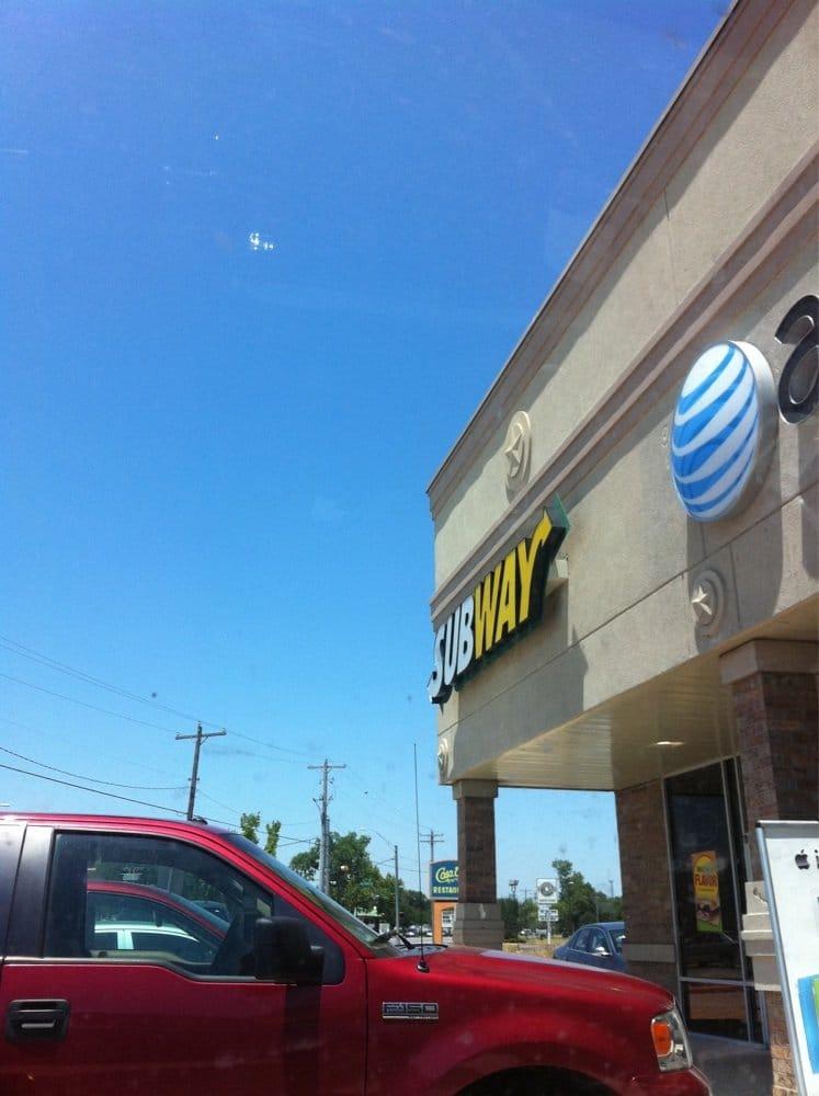 Subway: 1591 E Hwy 6, Alvin, TX