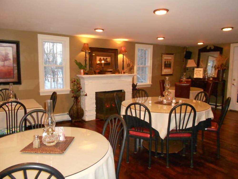 The Parsonage House: 276 Dunham Rd, Vassalboro, ME