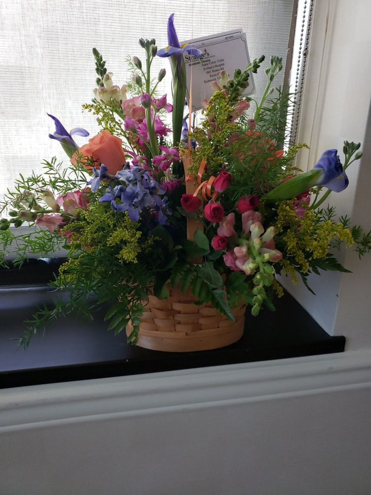 Strange's Florists Greenhouses & Garden Centers: Midlothian At Huguen, Richmond, VA