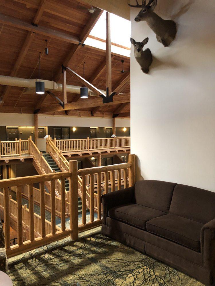 Casper C'mon Inn: 301 Lathrop Rd, Evansville, WY