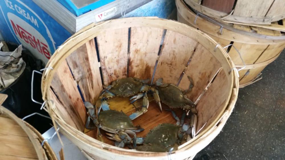 Crabdaddys: 6910 Cobbs Crk Pwky, Philadelphia, PA