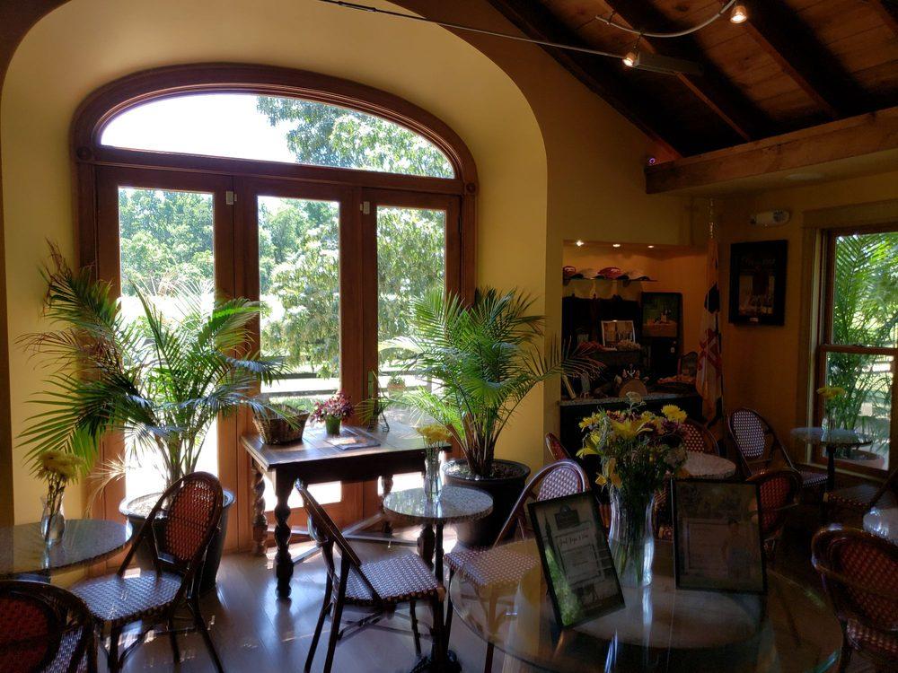 Perigeaux Vineyards & Winery: 8650 Mackall Rd, St. Leonard, MD