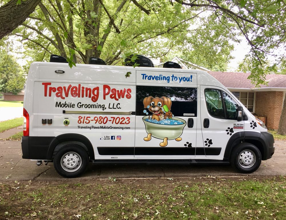 Traveling Paws Mobile Grooming: Belvidere, IL
