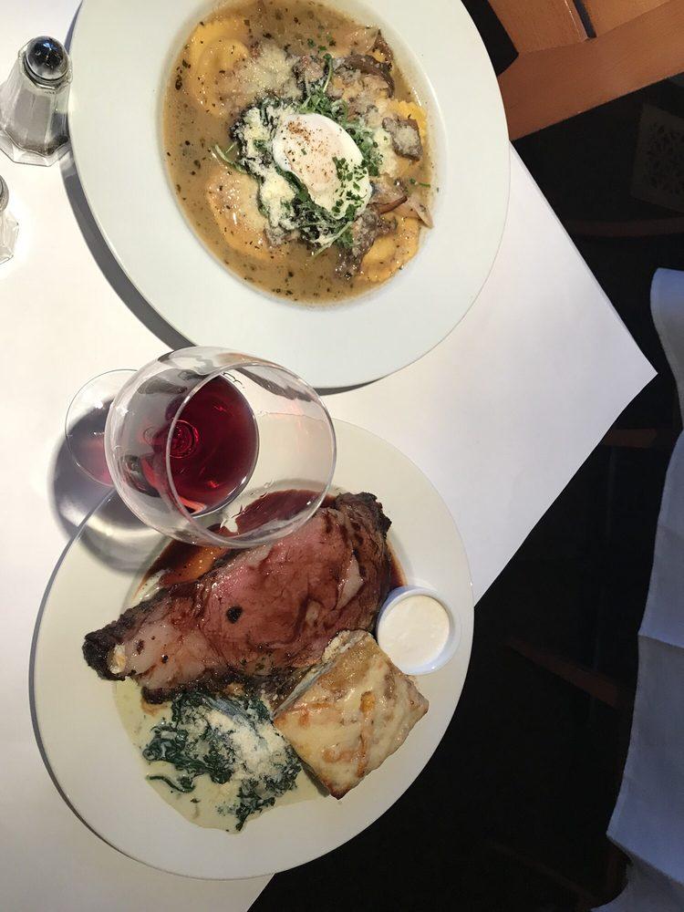 Village Inn & Restaurant: 20822 River Blvd, Monte Rio, CA