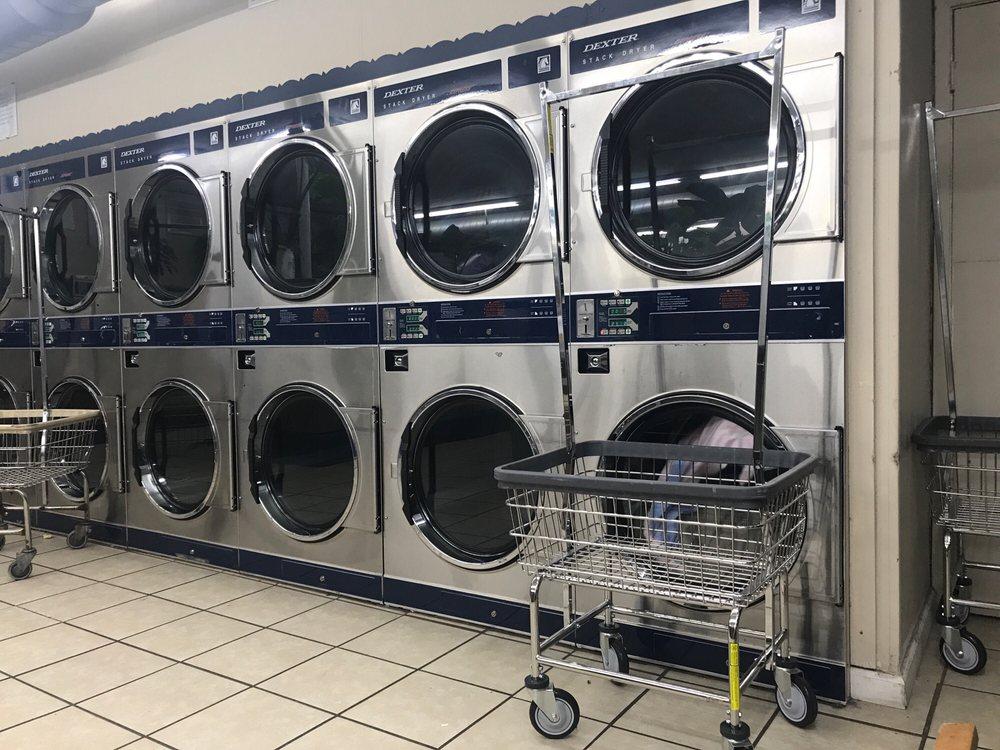 Old Towne Laundry: 145 N Oaks Plz, Saint Louis, MO
