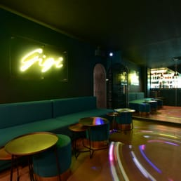 le gisou 60 photos bars vins 29 rue lepic montmartre paris restaurant avis. Black Bedroom Furniture Sets. Home Design Ideas