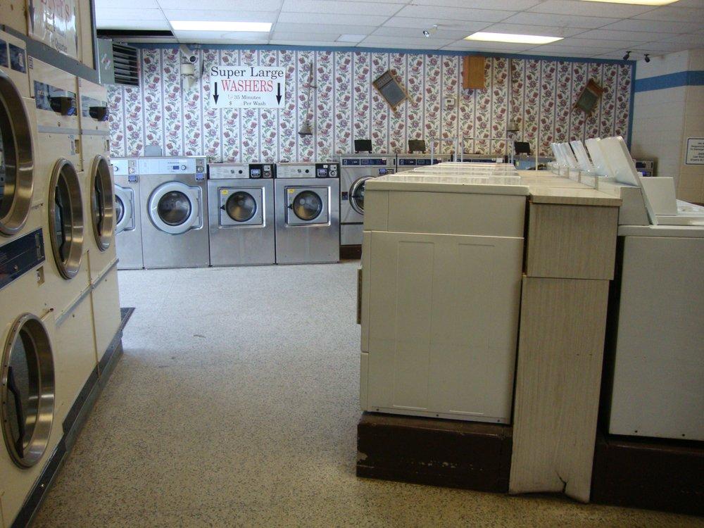 Champlin Laundromat: 500 Jefferson Hwy N, Champlin, MN