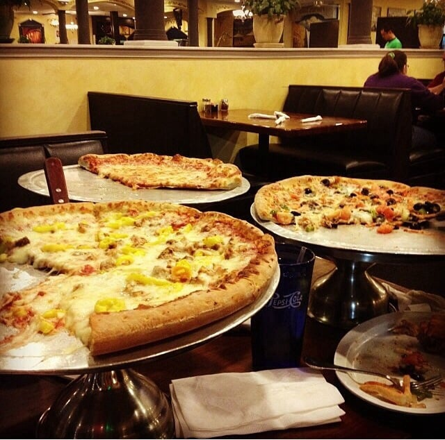 Joe's Pizzaria: 22360 S Sterling Blvd, Sterling, VA