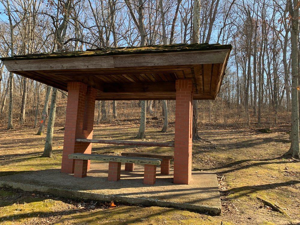 Skeeter Mountain Rest Area: 2404-2442 County Rd 2140 E, Grayville, IL