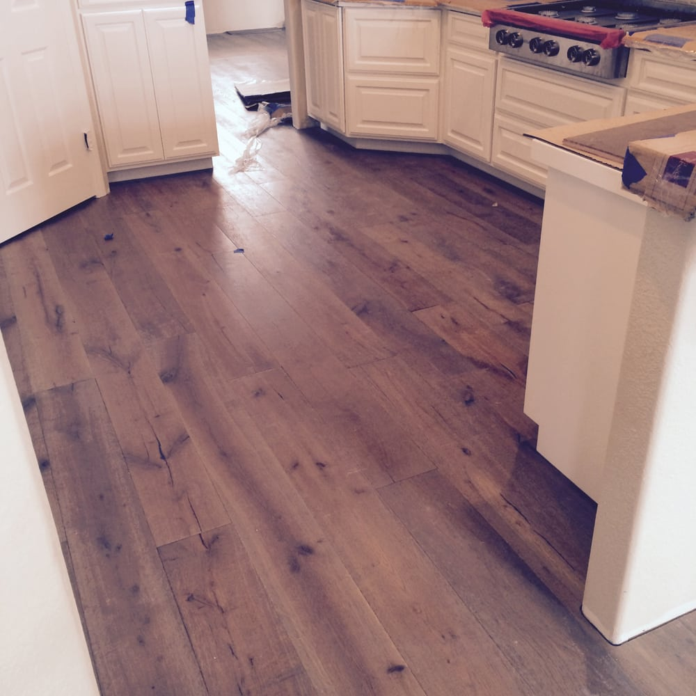 6 oak flooring fit tight to cabinets no quarter round for Flooring solutions