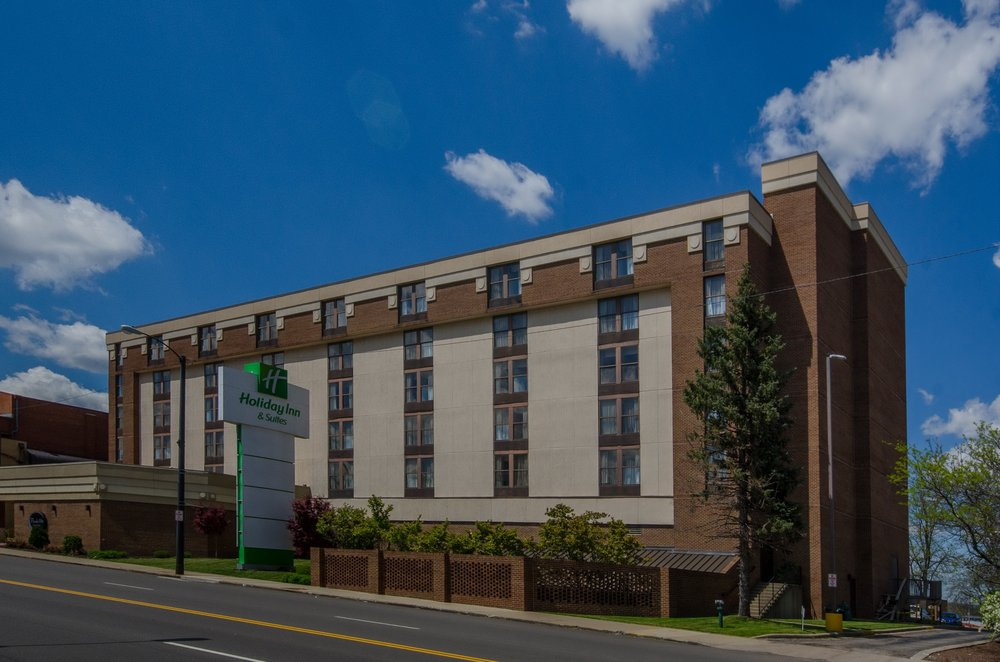 Holiday Inn Mansfield-Conference Ctr: 116 Park Ave W, Mansfield, OH