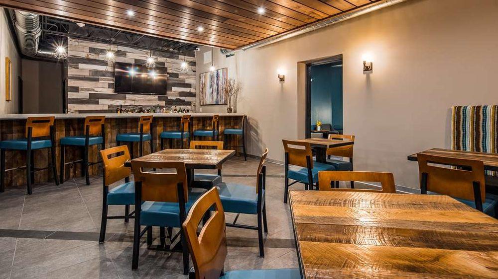 Best Western Premier Ankeny Hotel: 2502 SE Tones Dr, Ankeny, IA