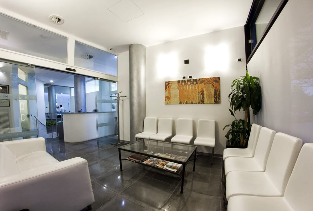 Studio dentistico abaco ortodontisti via pellettier 4 for Arredamento studio odontoiatrico