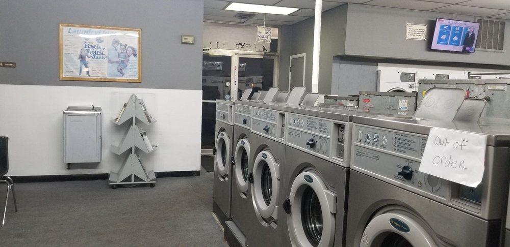Maumee Laundry & Dry Cleaning: 122 E Indiana Ave, Maumee, OH