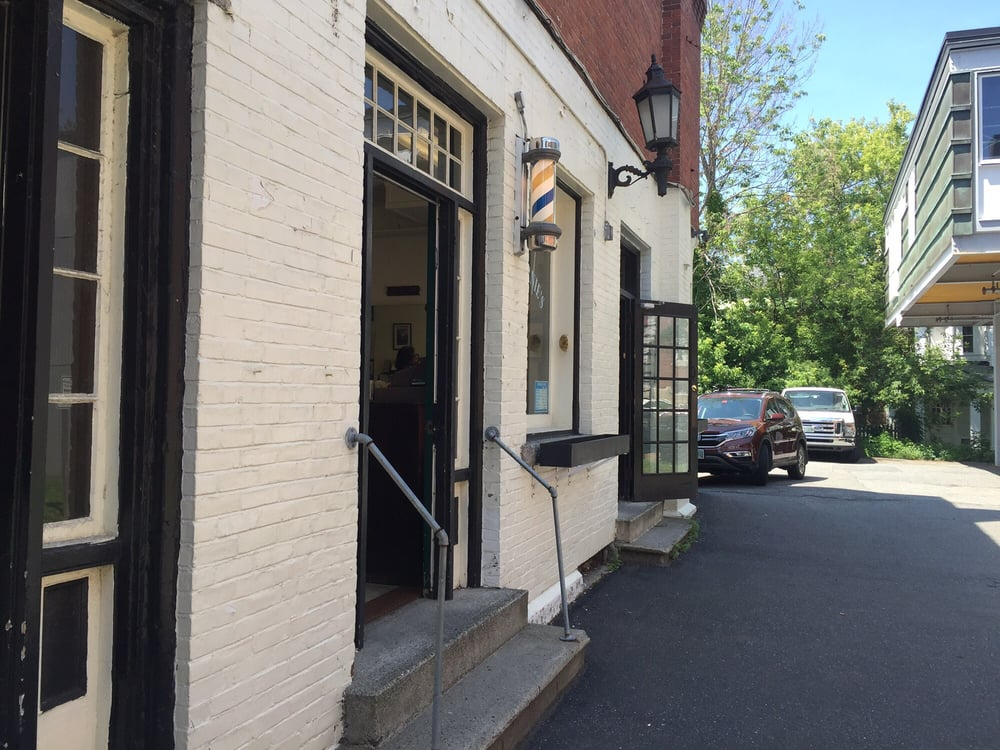 Walt & Ernie's Barber Shop: 5 Old Nugget Aly, Hanover, NH