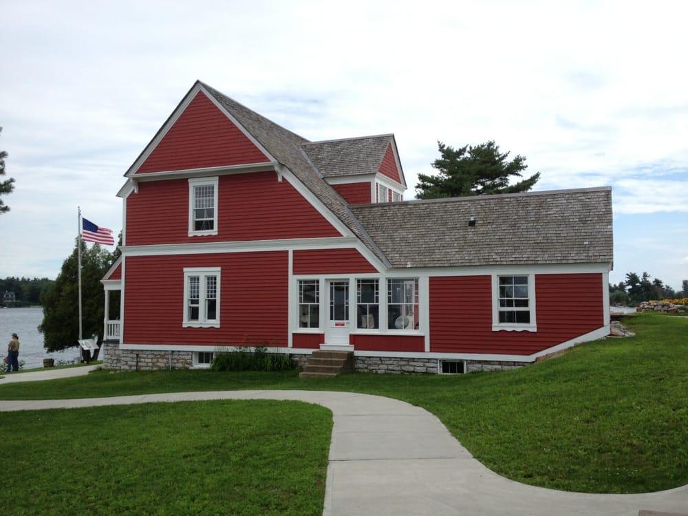 Rock Island Lighthouse: 42361 Rock Island, West, NY