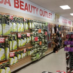 Usa beauty outlet 14 photos 14 reviews cosmetics for Last design outlet