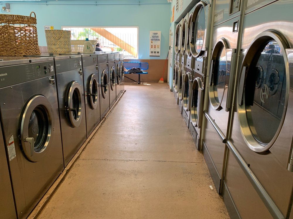 Wahiawa Laundromat: 34 Maalo St, Wahiawā, HI
