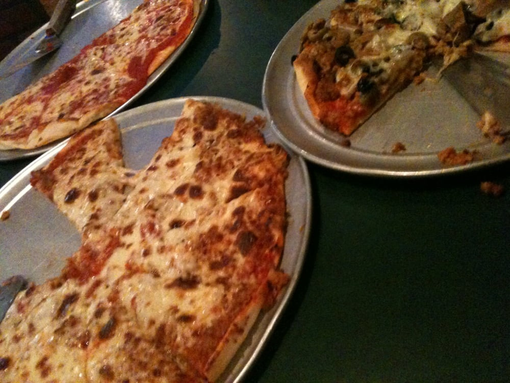Bobe's Pizza: 808 State St, Lawrenceville, IL