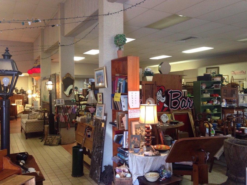 Dream Train Antiques: 209 Main St, Smithville, TX