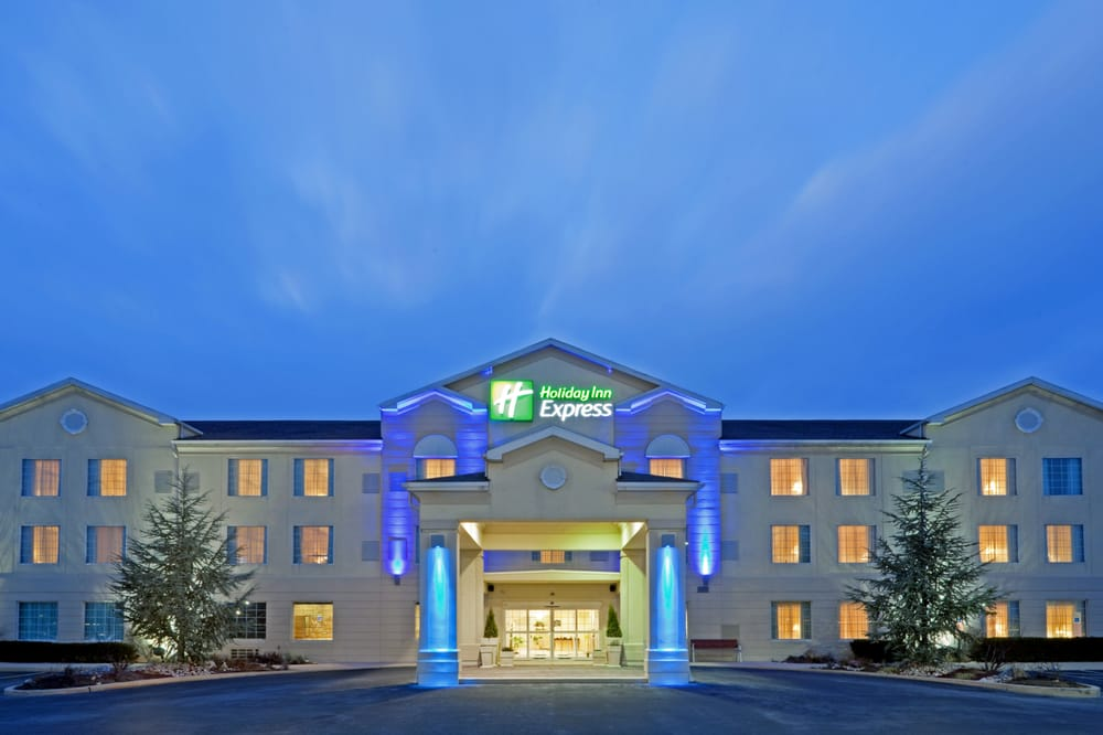 Holiday Inn Express & Suites Reading - Reading
