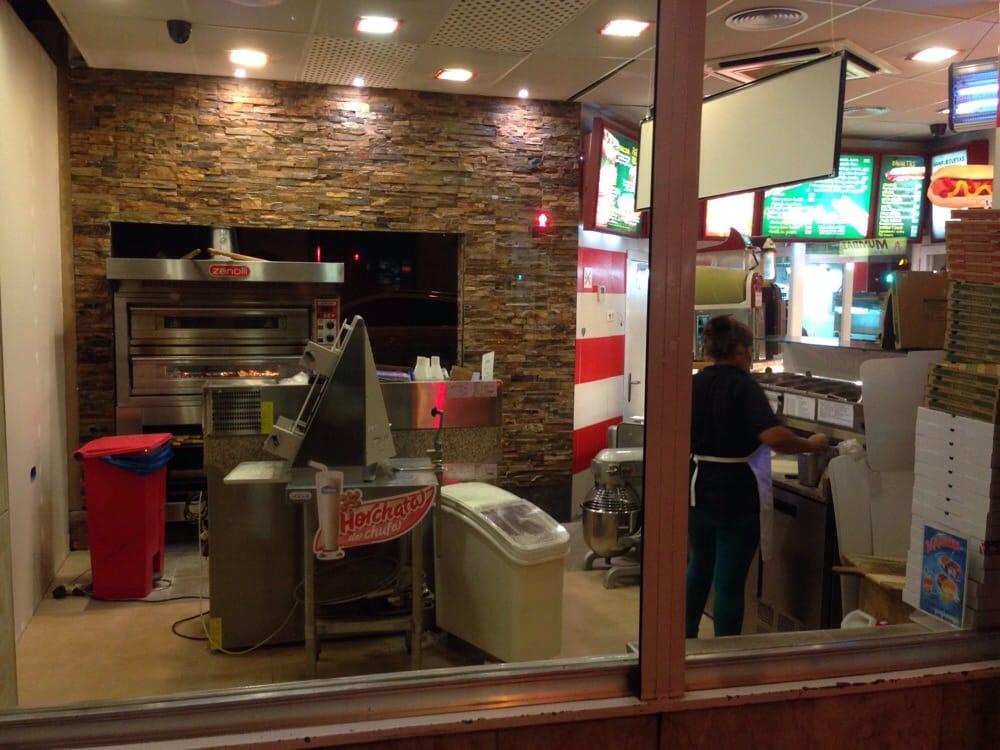 Entrepanes pizza calle de hilari n eslava 32 for Calle hilarion eslava