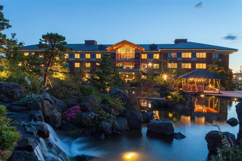 Best Western Premier Boulder Falls Inn: 505 Mullins Dr, Lebanon, OR