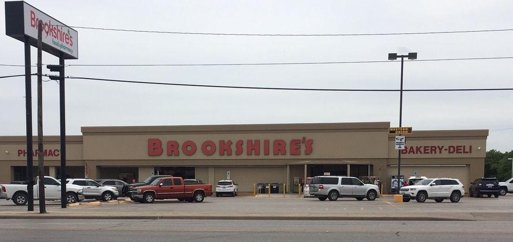 Brookshire's: 404 W Central Ave, Comanche, TX