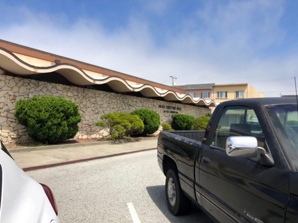 US Post Office: 1100 Sullivan Ave, Daly City, CA