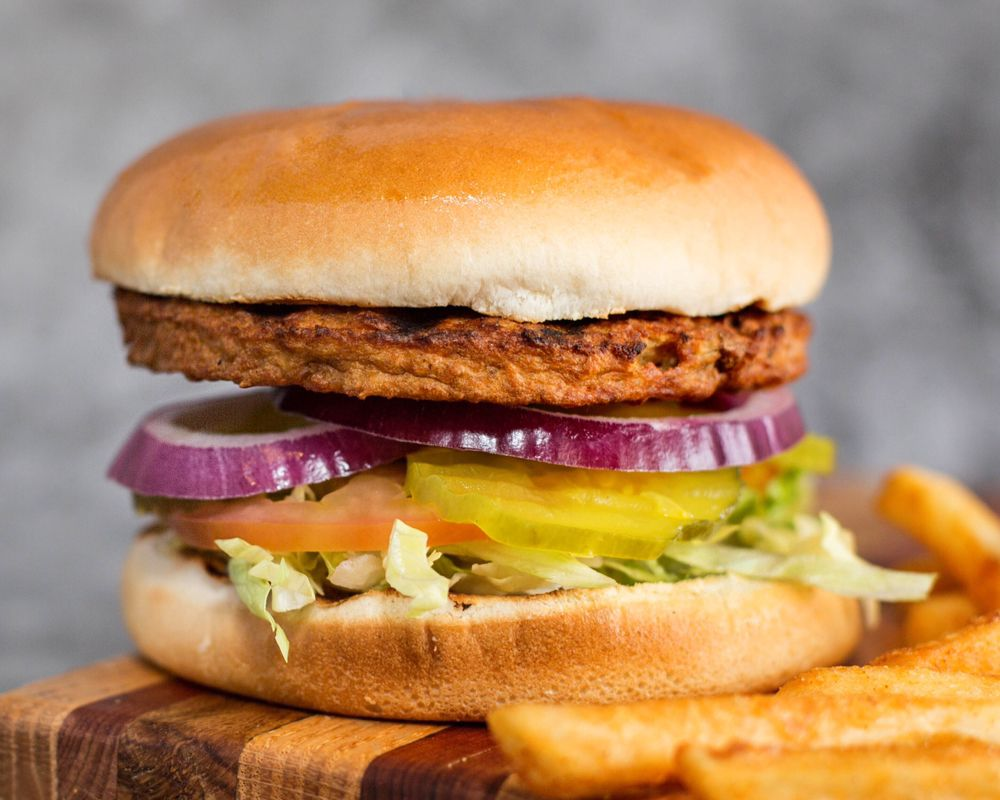 Olive Burger - Plano: 2129 W Parker Rd, Plano, TX