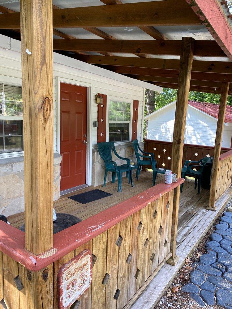 Carlton Resort: 1527 Cranfield Rd, Mountain Home, AR