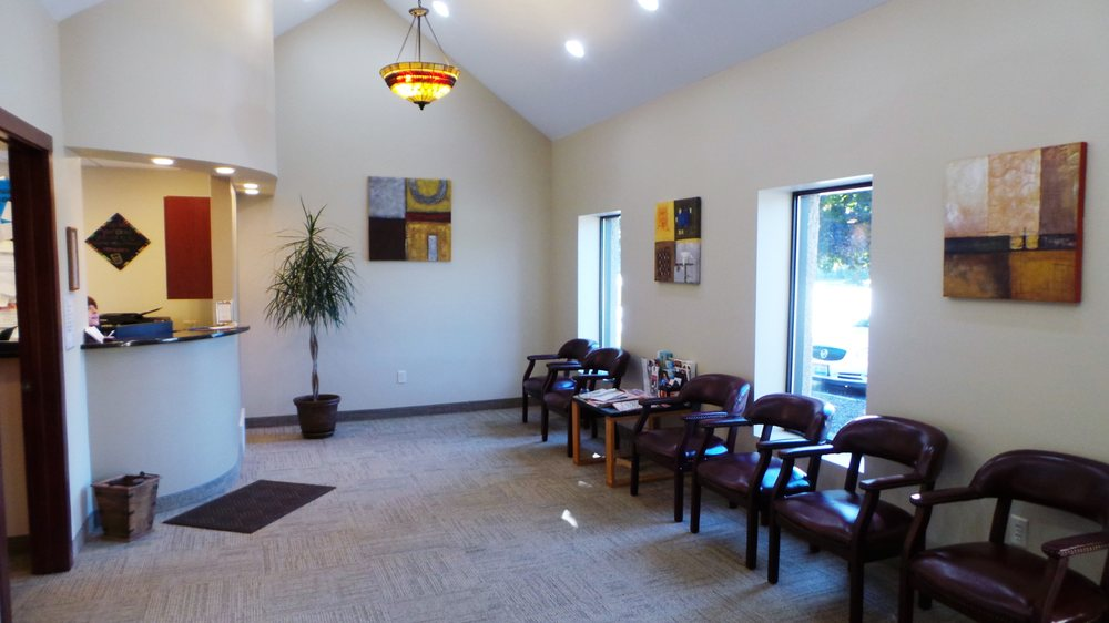 Gentle Family Dentistry: 8799 E Market St, Warren, OH