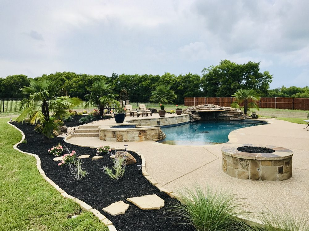 Splash Pools: 3444 US-287, Midlothian, TX
