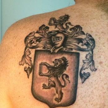 Blu gorilla 14 photos 19 reviews tattoo 1409 king for Tattoo charleston sc